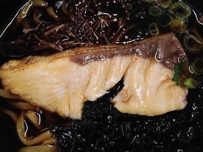 スシロー黒うま祭新味!ぶりブラックラーメン
