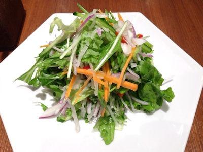 紅虎餃子房10種の野菜サラダ