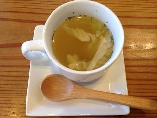 淡路島カレー無料サービスのスープ