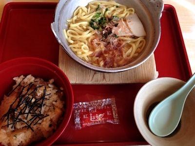 ジョイフル沖縄風そばセット(鶏の炊き込みご飯)