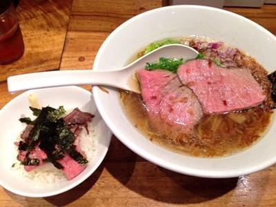 博多一風堂コンソメ中華そばと特製ミニローストビーフ丼