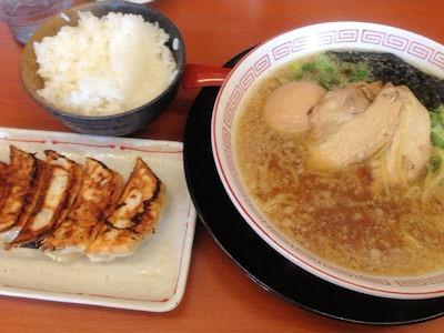 ラーメンまこと屋懐かしの中華そば~背脂醤油系~の餃子定食
