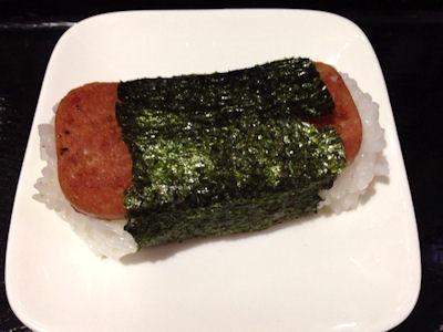 沖縄料理海沖縄そばセットのポークおにぎり