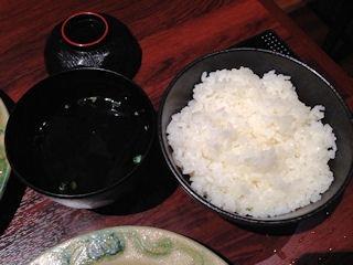 肉の館 羅生門/明石店の焼肉定食のスープとライス