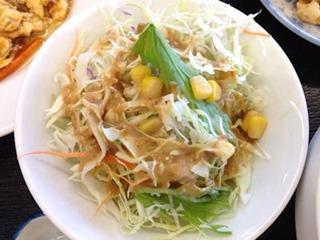台湾料理龍祥日替わりランチサラダ