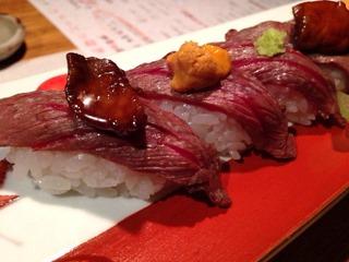 天ぷらと肉寿司燈花牛炙り寿司三種盛合せ