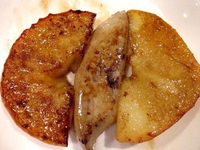 鉄板バルつくしフォアグラとリンゴのバターソテー