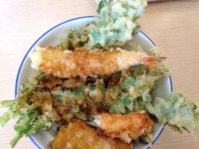 天丼・天ぷら本舗さん天ずわいがに天丼