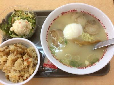 スガキヤ特製ラーメン+サラダセット
