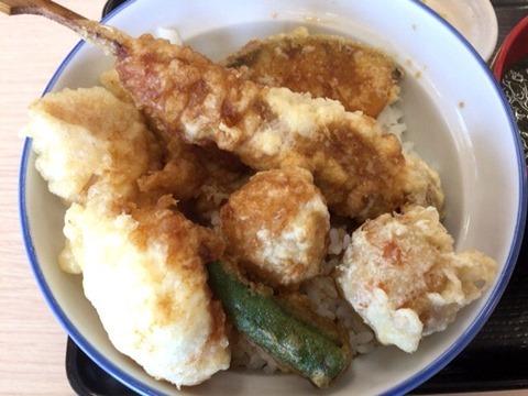 天丼・天ぷら本舗さん天鶏づくし親子天丼