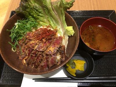 浪花焼肉肉タレ屋黒毛和牛レアステーキ丼