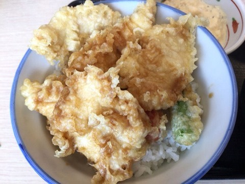 天丼・天ぷら本舗さん天タルタル鶏天丼