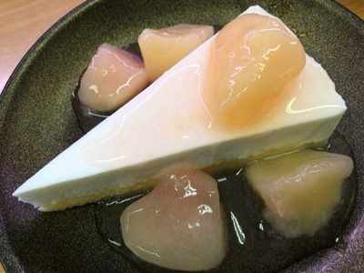 スシローごろっと桃のチーズケーキ