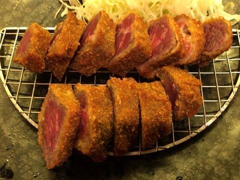 厚切り牛かつ専門店神戸牛かつ亭アンガス牛の厚切りレア牛かつ膳