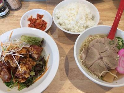 肉そば麺達日替わり定食の油淋鶏と塩ラーメン