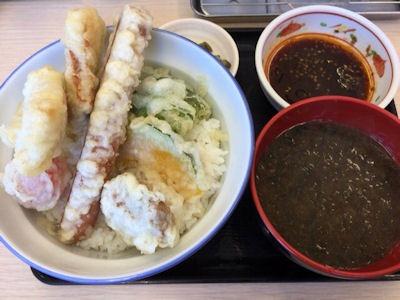 天丼・天ぷら本舗さん天ポーク&ロングソーセージ天丼