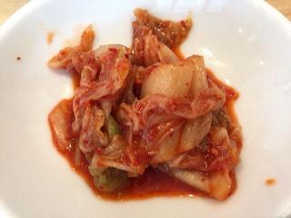 肉そば麺達日替わり定食のキムチ