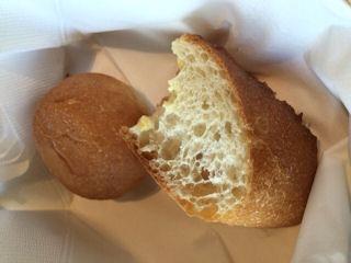 リヴィエール鯛のエビムース焼きのパン
