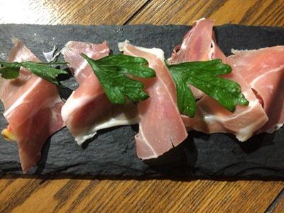 洋食ばるgin串生ハムといちじくのサラダ