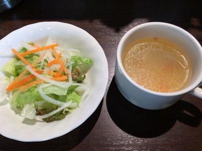 いきなりステーキランチのサラダとスープ