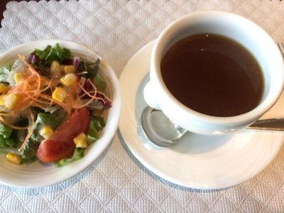 リヴィエール日替わりランチのサラダとスープ