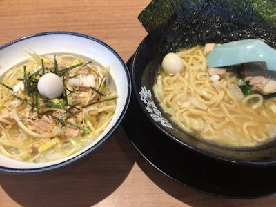 横浜家系ラーメン町田商店ラーメン(醤油)とネギチャ丼