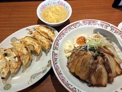 餃子の王将豚バラ焼豚丼と焼餃子