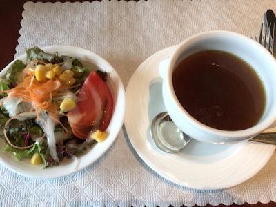 カジュアルダイニングリヴィエールサラダとスープ