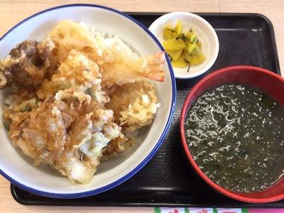 天丼・天ぷら本舗さん天秋刀魚ときのこの天丼
