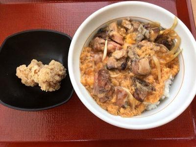 なか卯炭火焼き親子丼と唐あげ(2個)