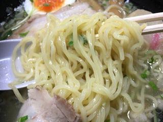 函館麺厨房あじさい味彩極拉麺塩