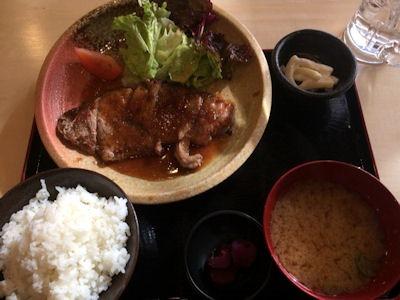 屋台居酒屋大阪満マルサーロインステーキ定食