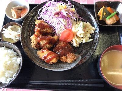 カフェごはんのーちゃん日替り定食(チキンカツとピーマン肉詰め)