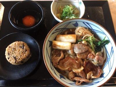 丸亀製麺鴨すき焼きうどんと茶めし(昆布)