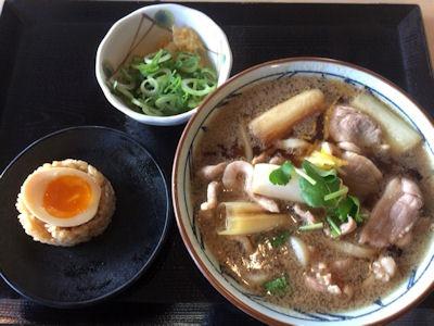 丸亀製麺鴨ねぎうどんと茶めし(煮玉子)